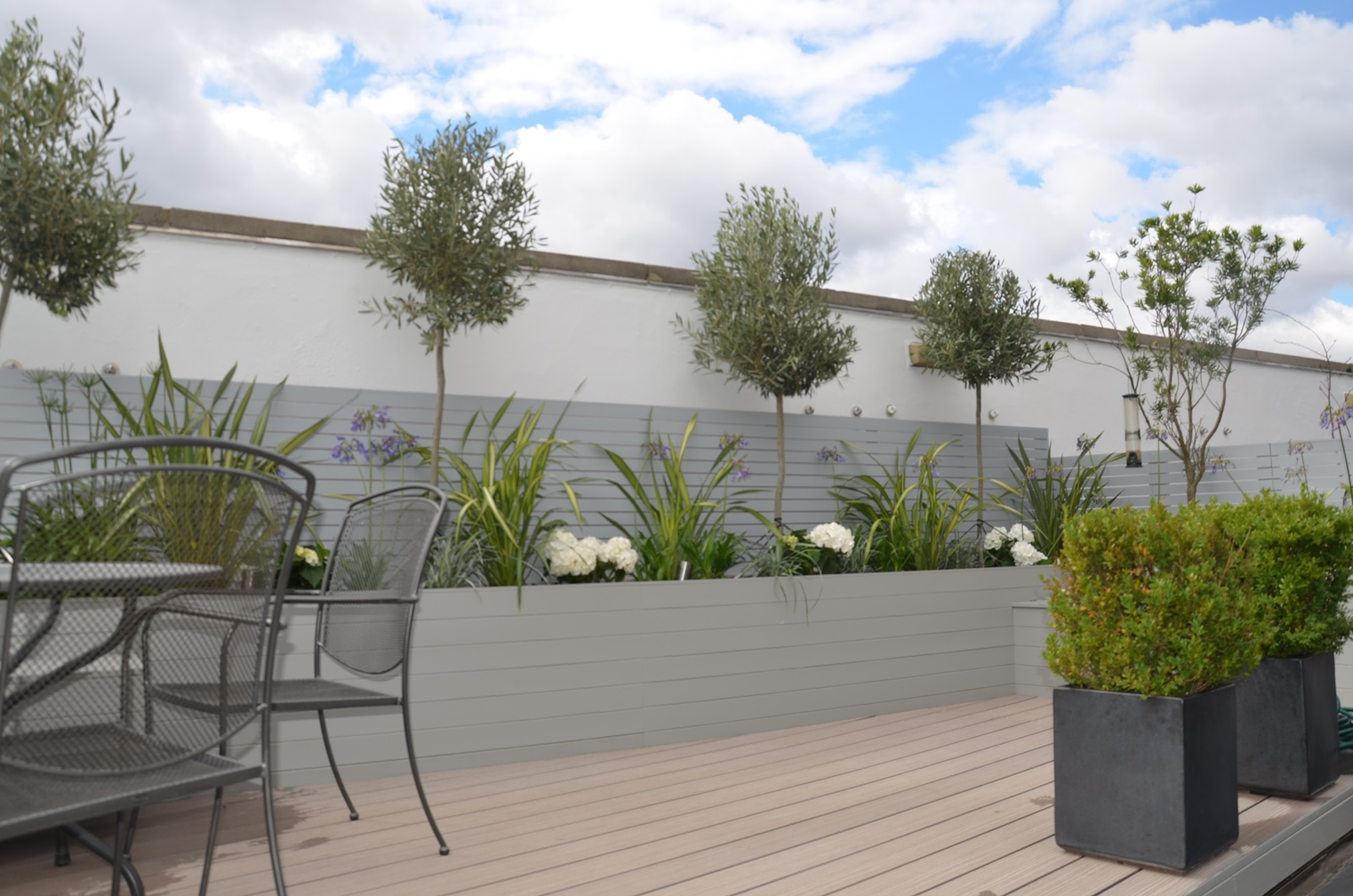 Tower bridge modern garden design roof penthouse terrace for Terrace design
