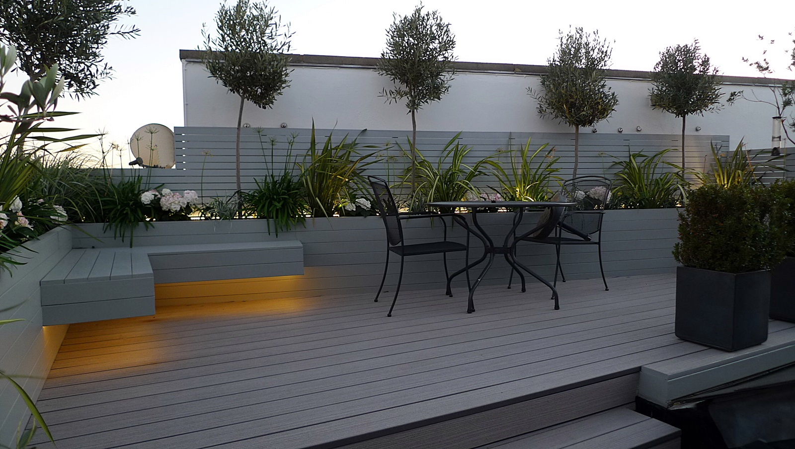 Lights london garden blog for Garden decking designs uk