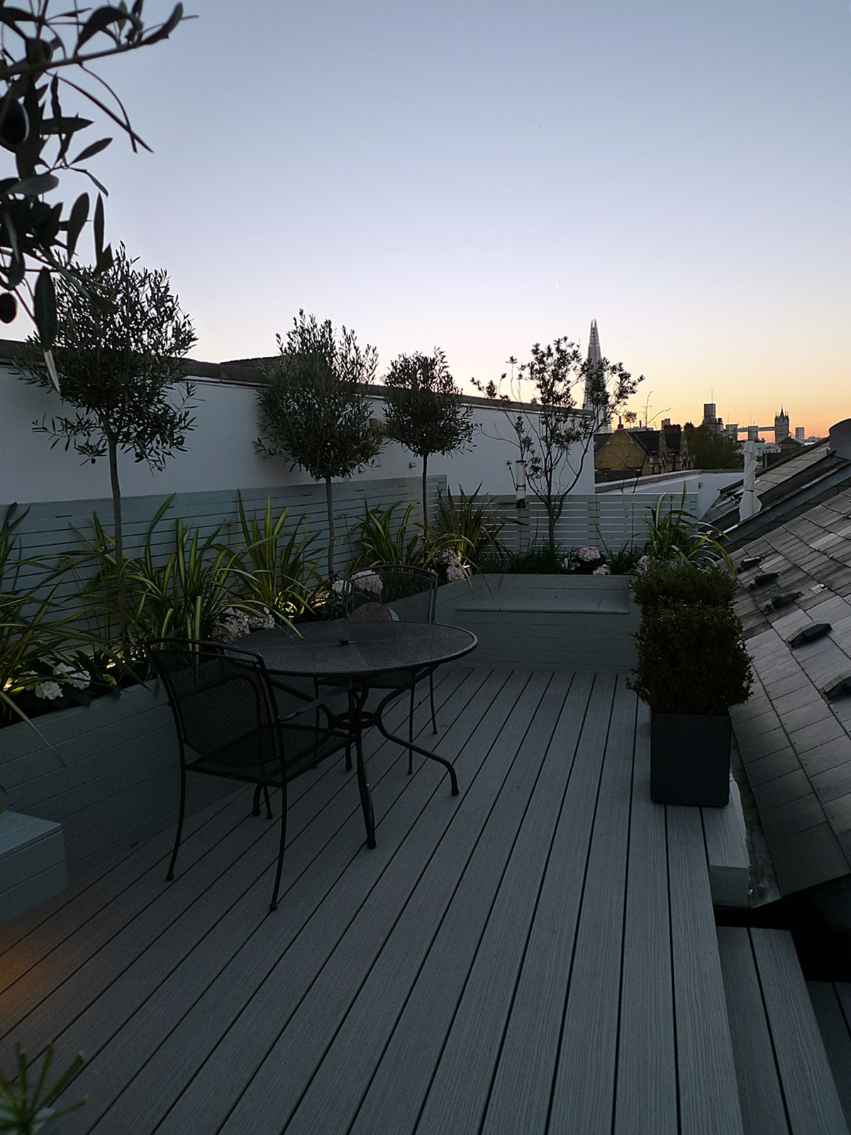 modern roof terrace garden fulham chelsea tower bridge docklands london