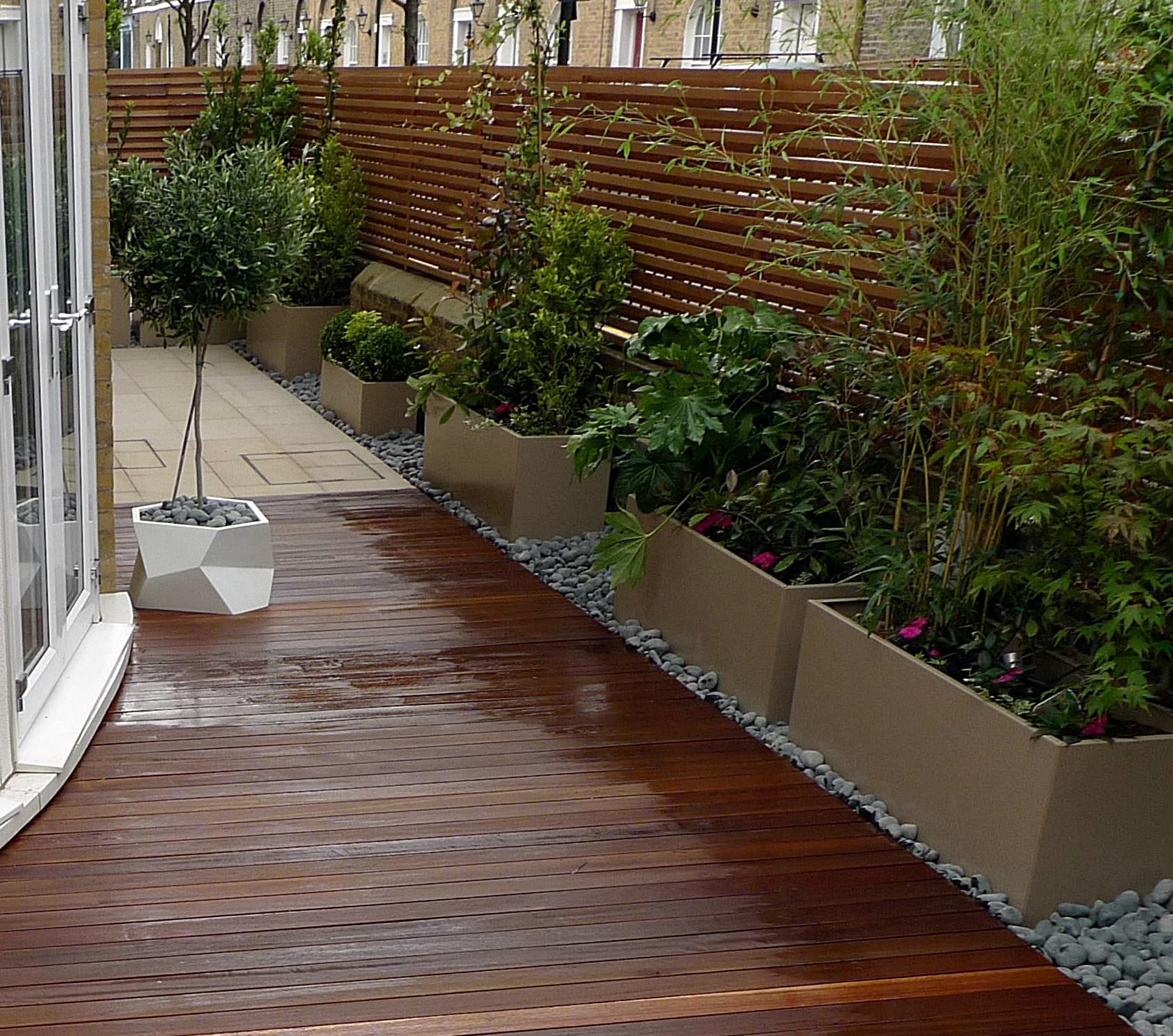 Architectural hardwood  modern garden design Wandsworth Clapham Earsfields