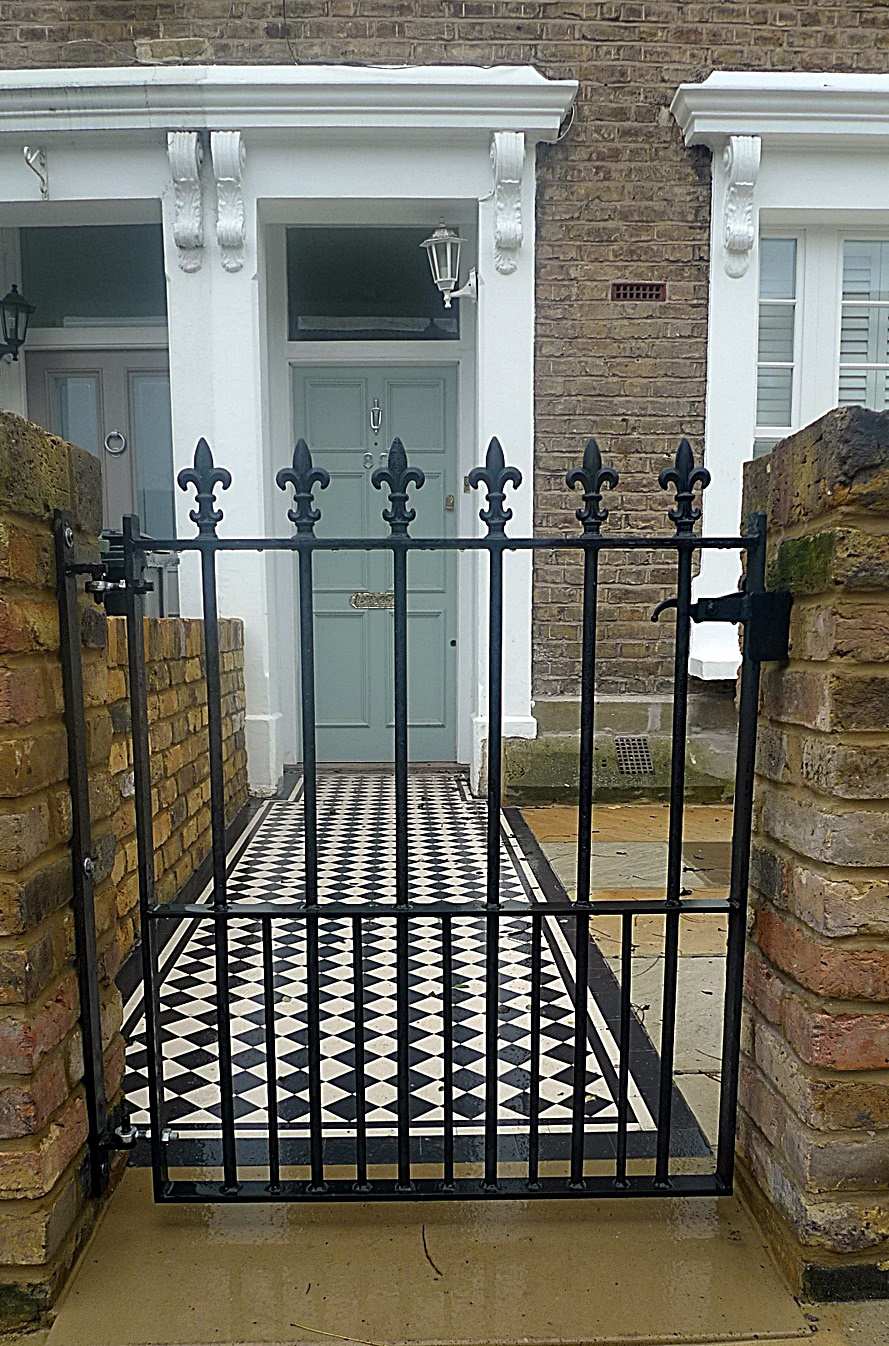 Black and white Victorian mosaic Front garden company London