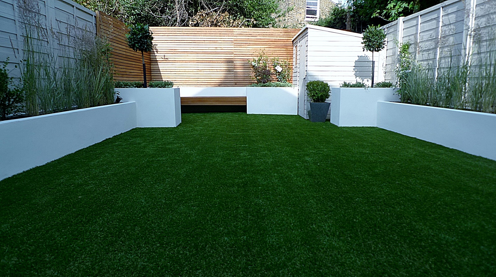 Easi grass formal white wooden wall render walls Earsfields Battersea Wandsworth
