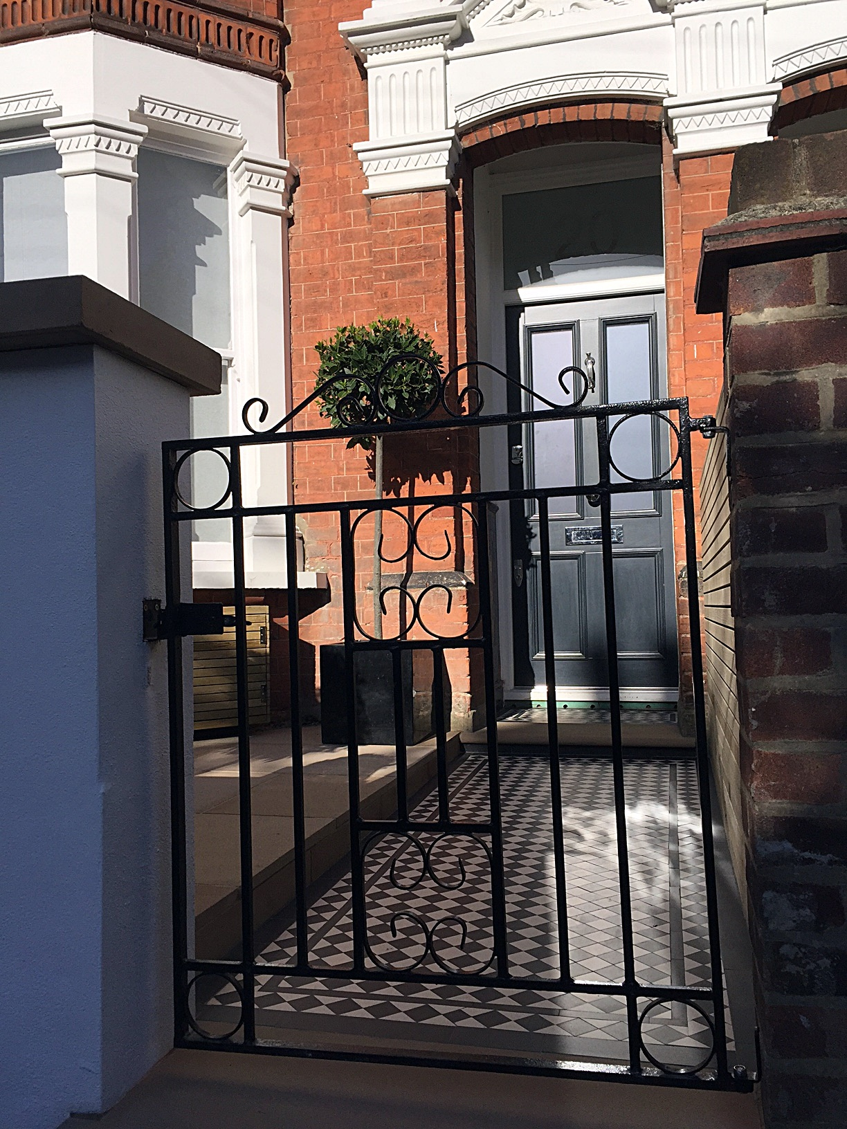 Front garden design metal rail multi colour mosaic cap London Balham Clapham Battersea