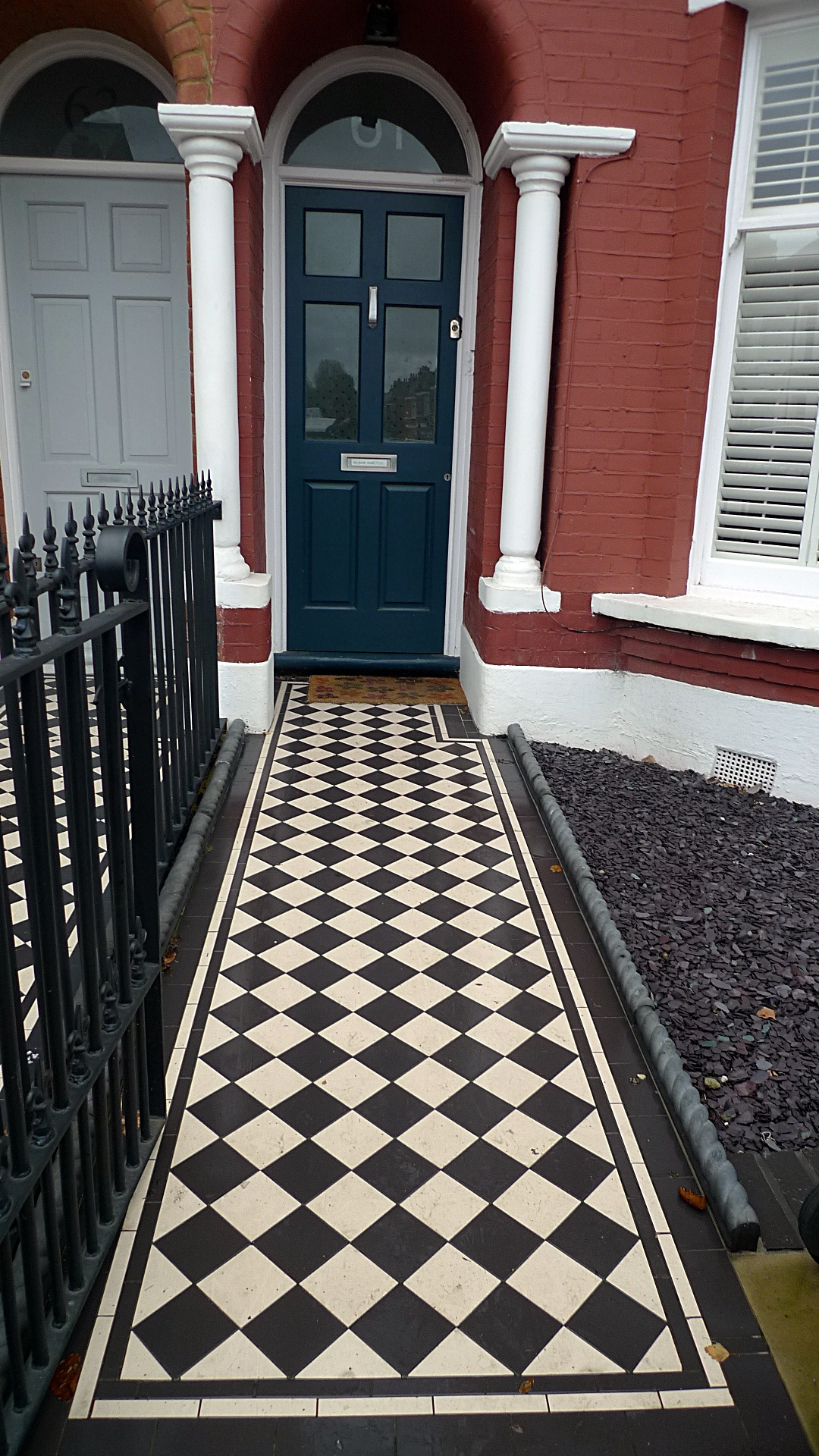 Ornamental stone Victorian mosaic black and white charcoal rope edge tiles metal rail metal gate York stone entrance stone Balham Streatham Clapham Battersea London