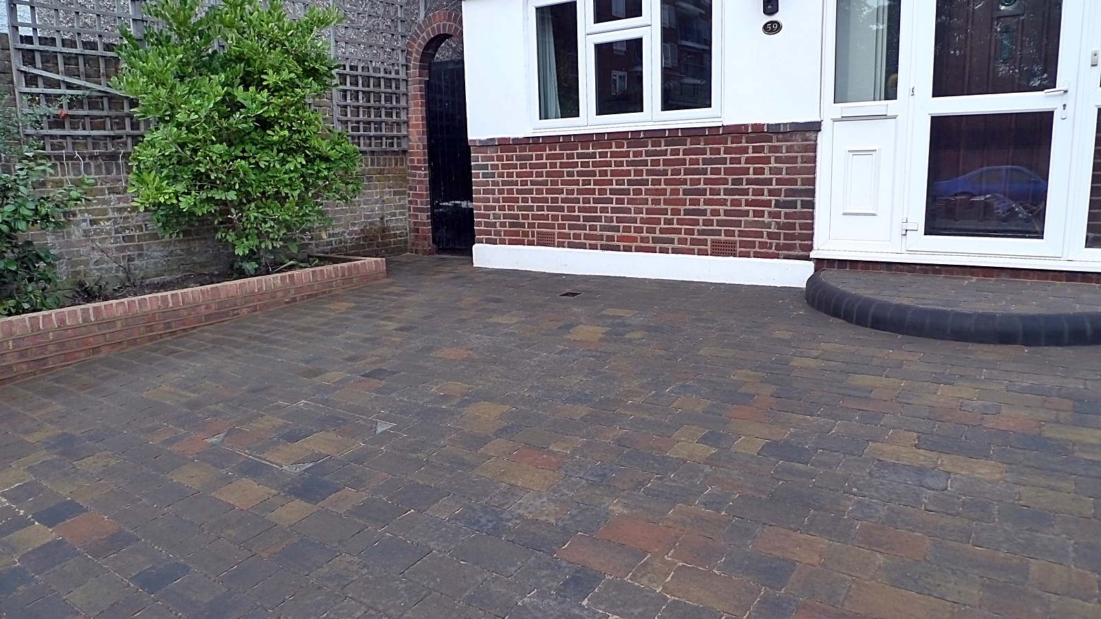 Paving brick garden walls London garden design