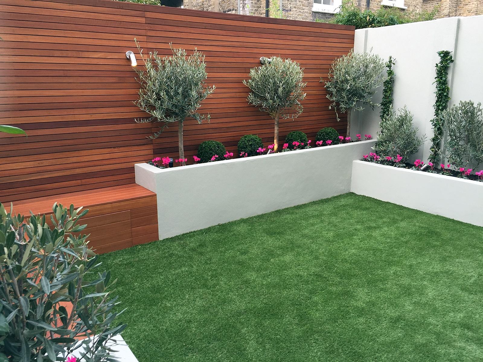 Designer london garden blog for Garden ideas with decking and grass