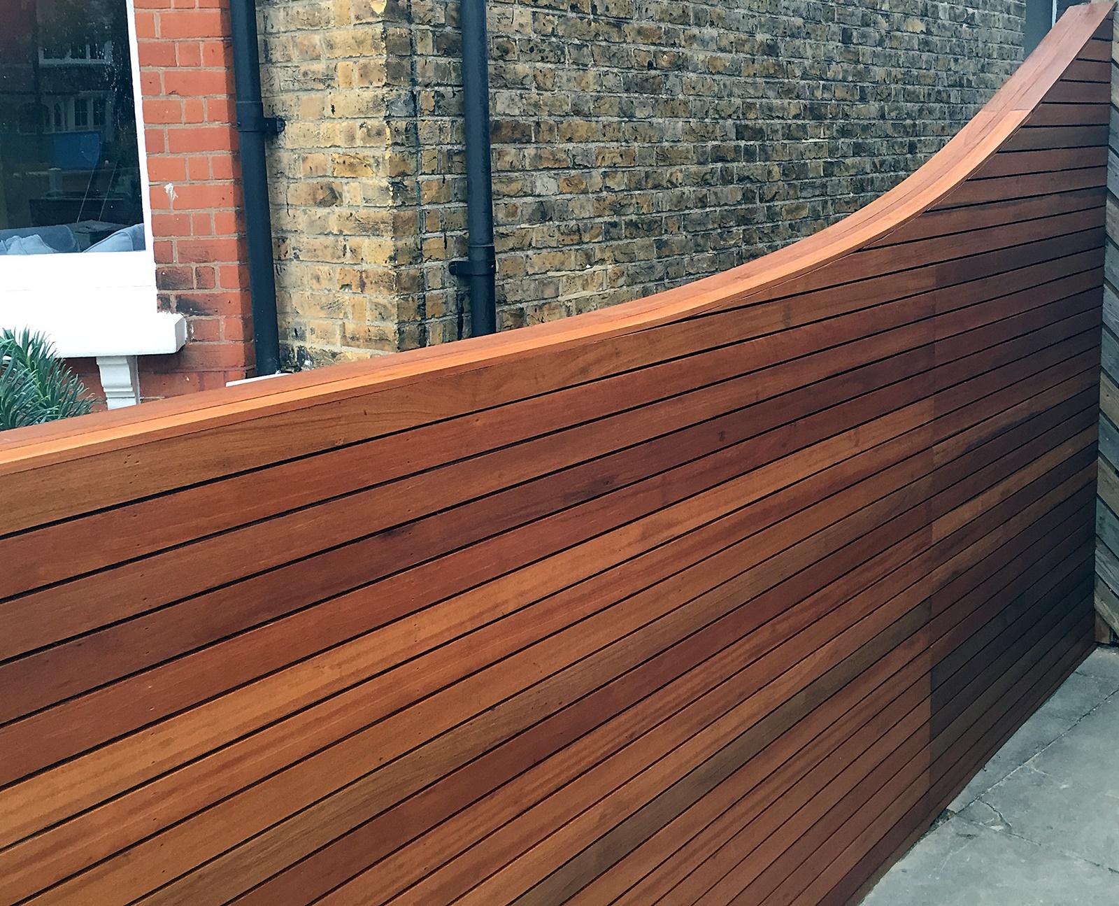 horizontal batten strip cedar hardwood bespoke trellis fence fulham chelsea dulwich putney battersea london