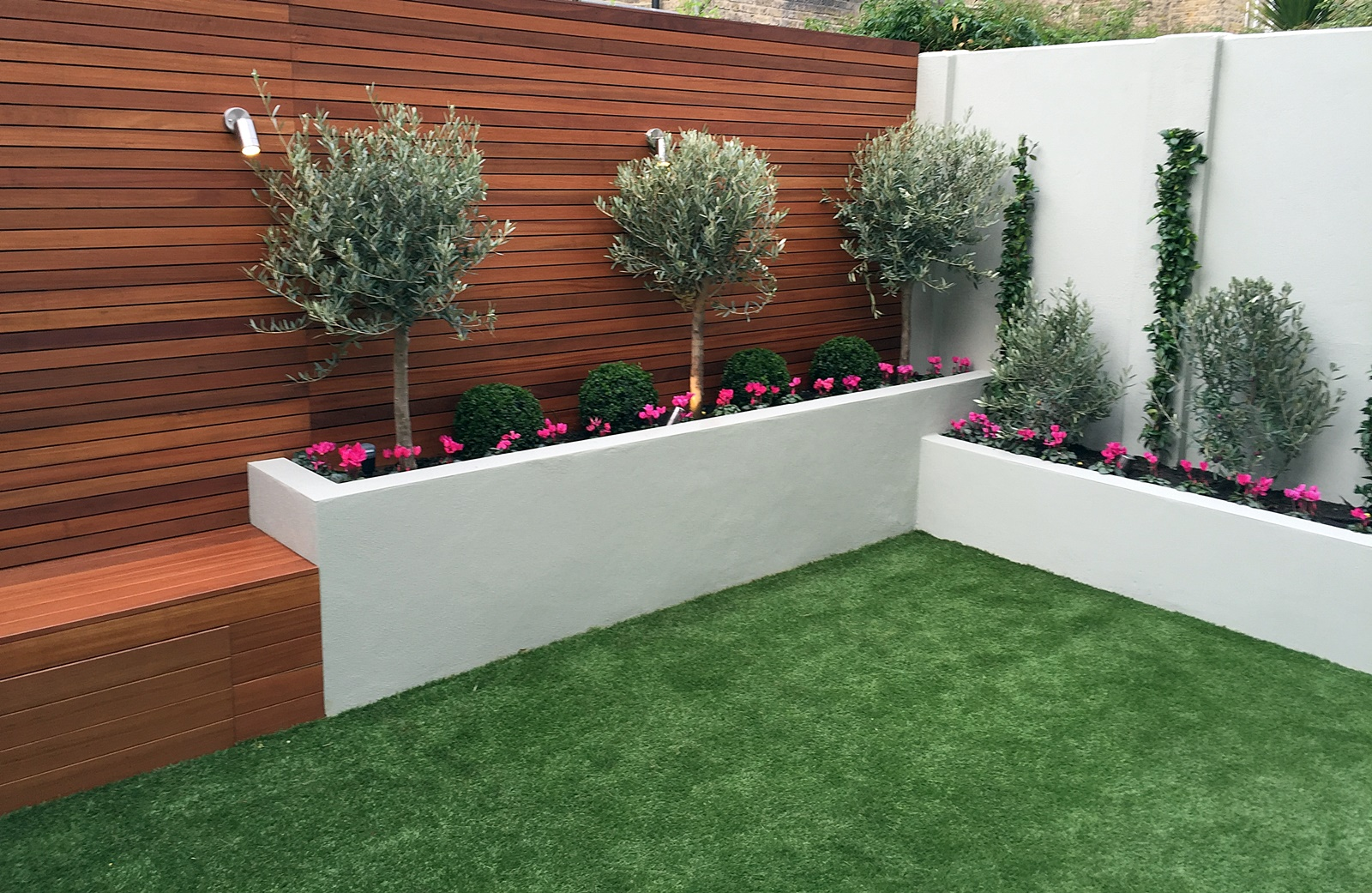 Simple modern court yard garden designer Battersea Fulham ...