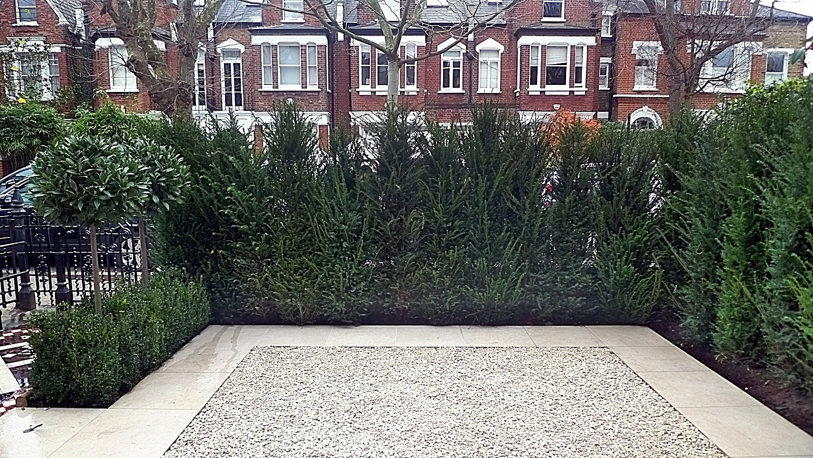 Battersea London tile formal bay trees Yew trees topiary Balham Clapham