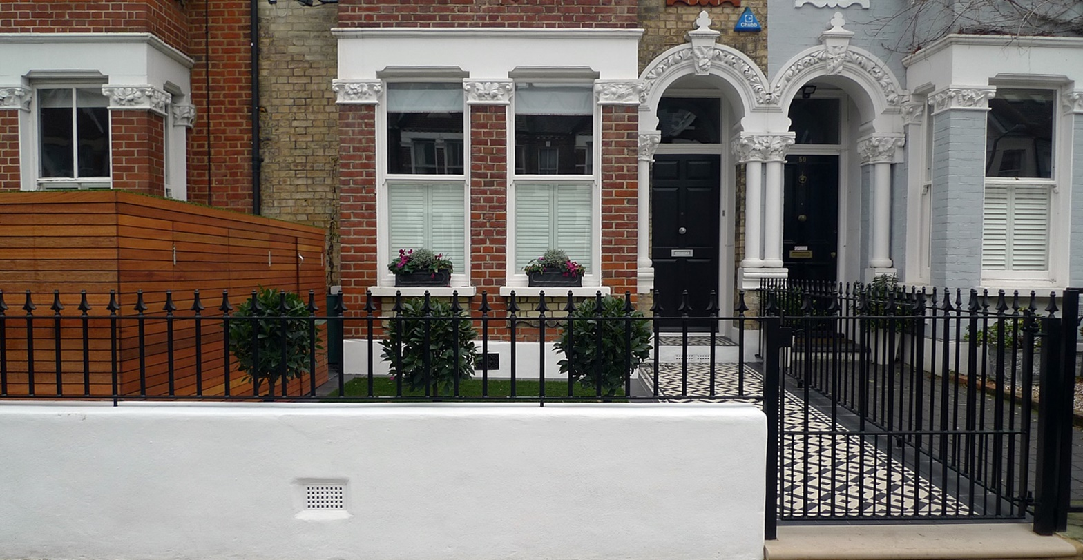 Iron rail gate white render garden wall London Fulham Chelsea Kensington