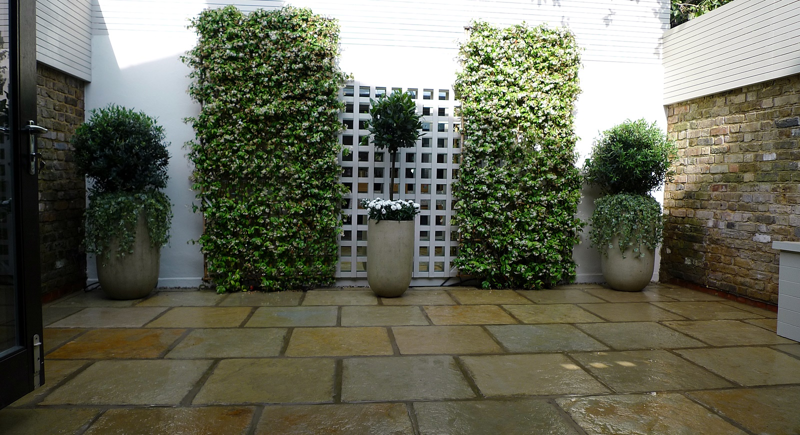 Courtyard minimalist contemporary garden design and designer marylebone london