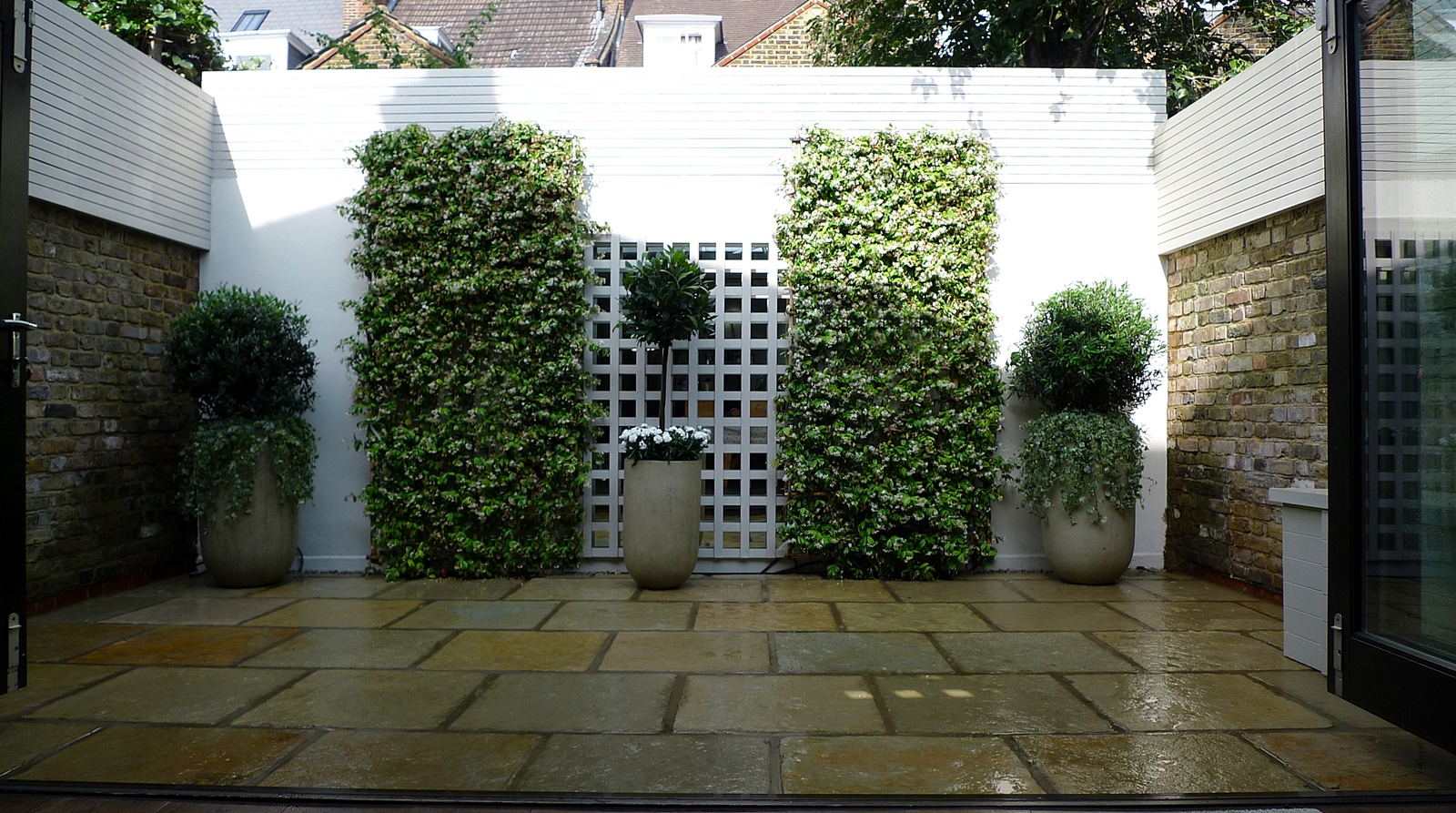 Courtyard minimalist contemporary garden design and designer westminster london