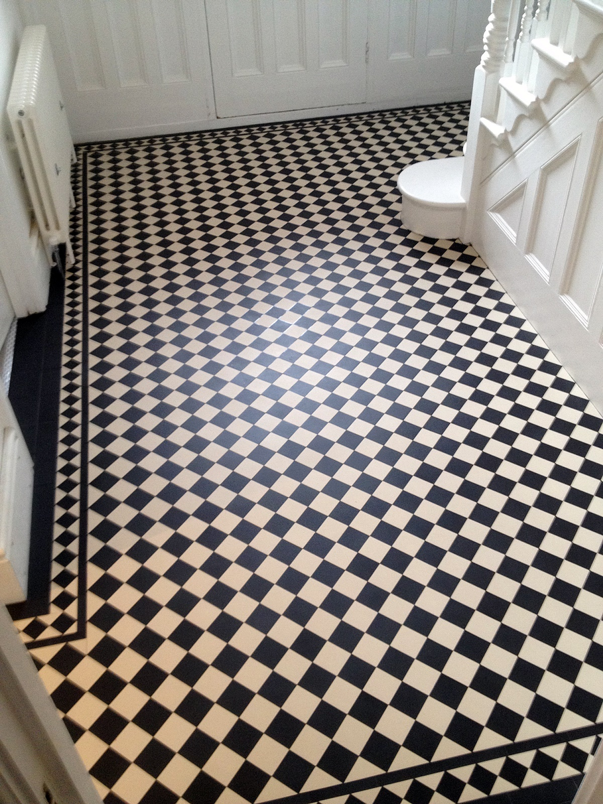 Victorian black and white hallway tile mosaic floor balham clapham battersea chelsea kensington london