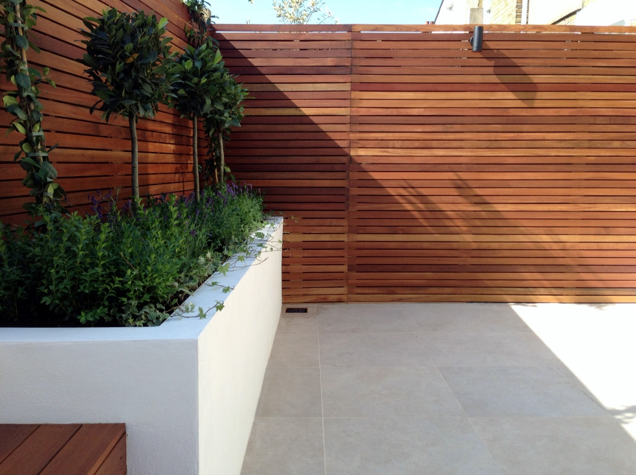 London garden blog london garden blog gardens from for Screening walls for gardens