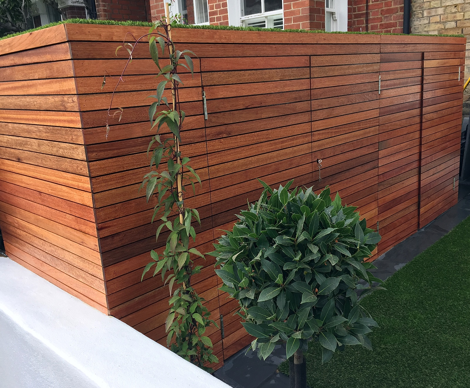 Artificial grass easi hardwood Fulham Wandsworth London new garden modern company