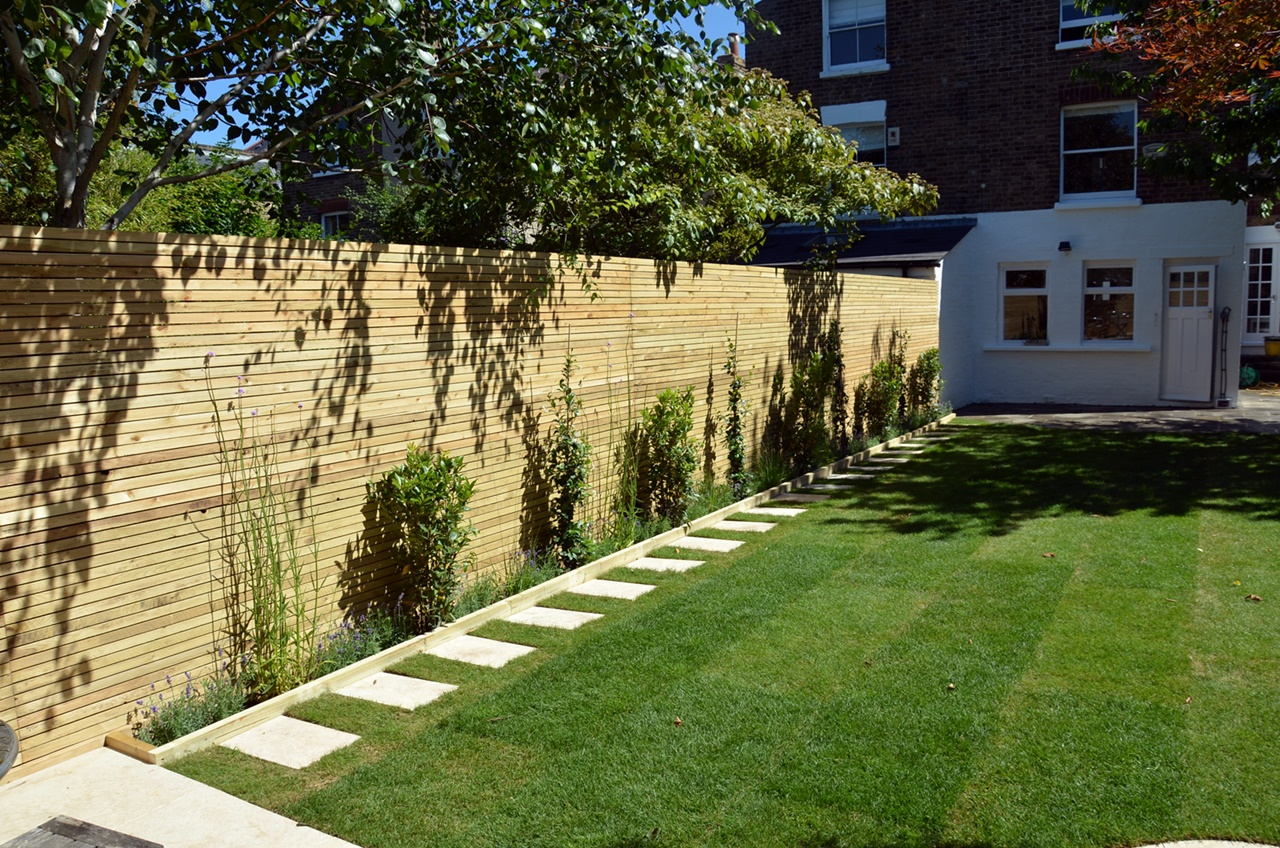 Artificial grass path trellis privacy screen low maintenance London Clapham Balham Battersea