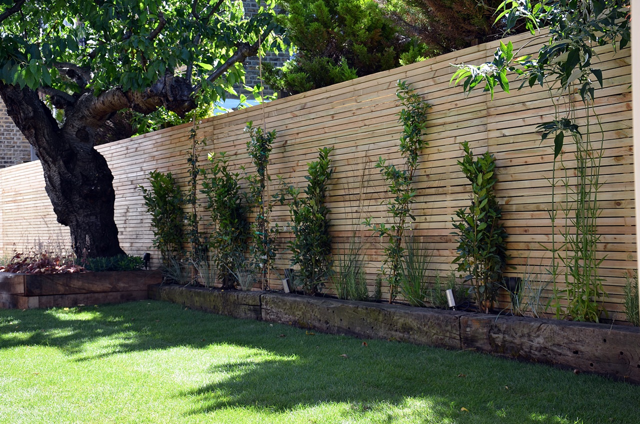 Easi grass softwood trellis planting London Garden Company