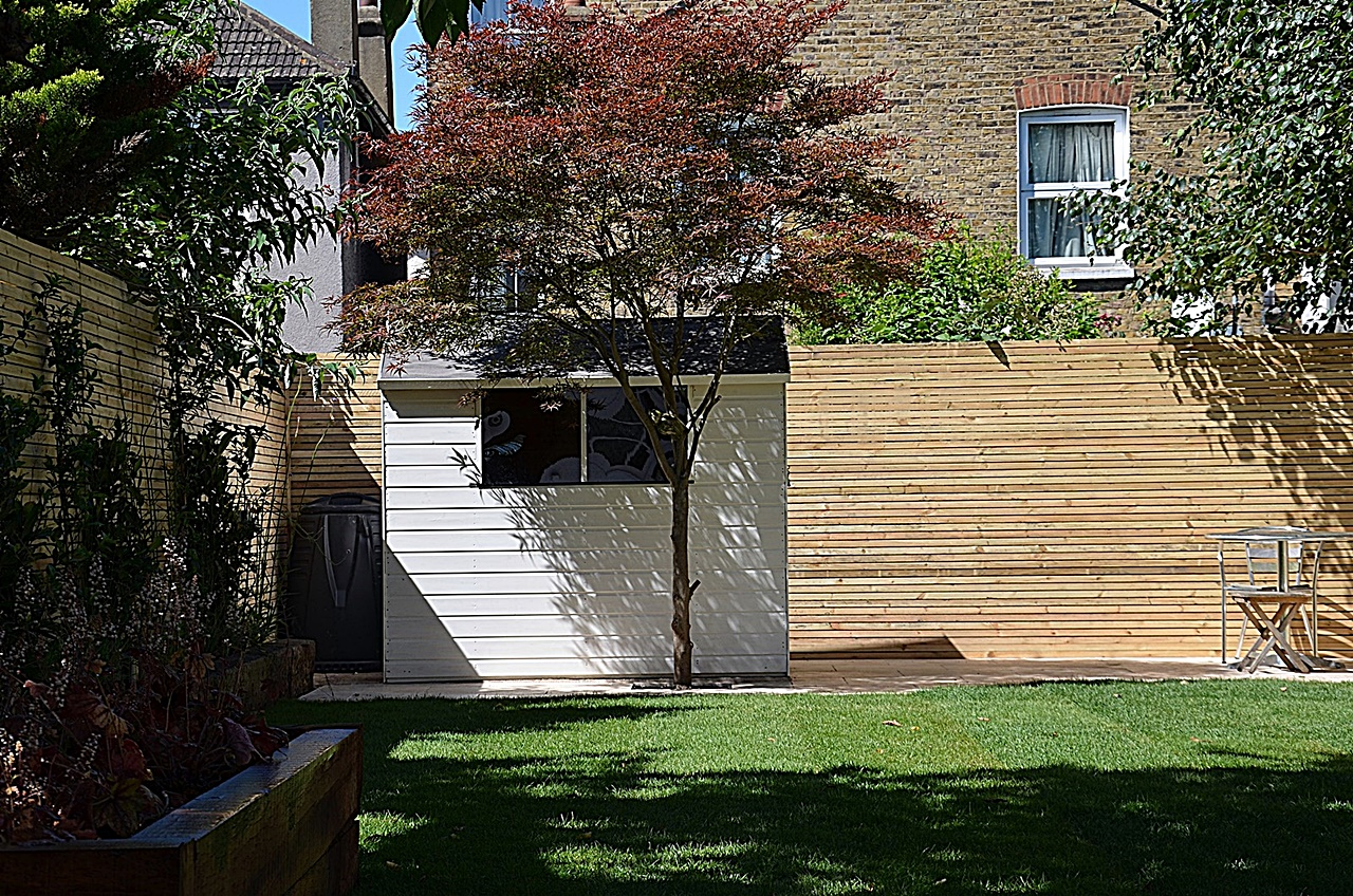 Modern countyard garden design London
