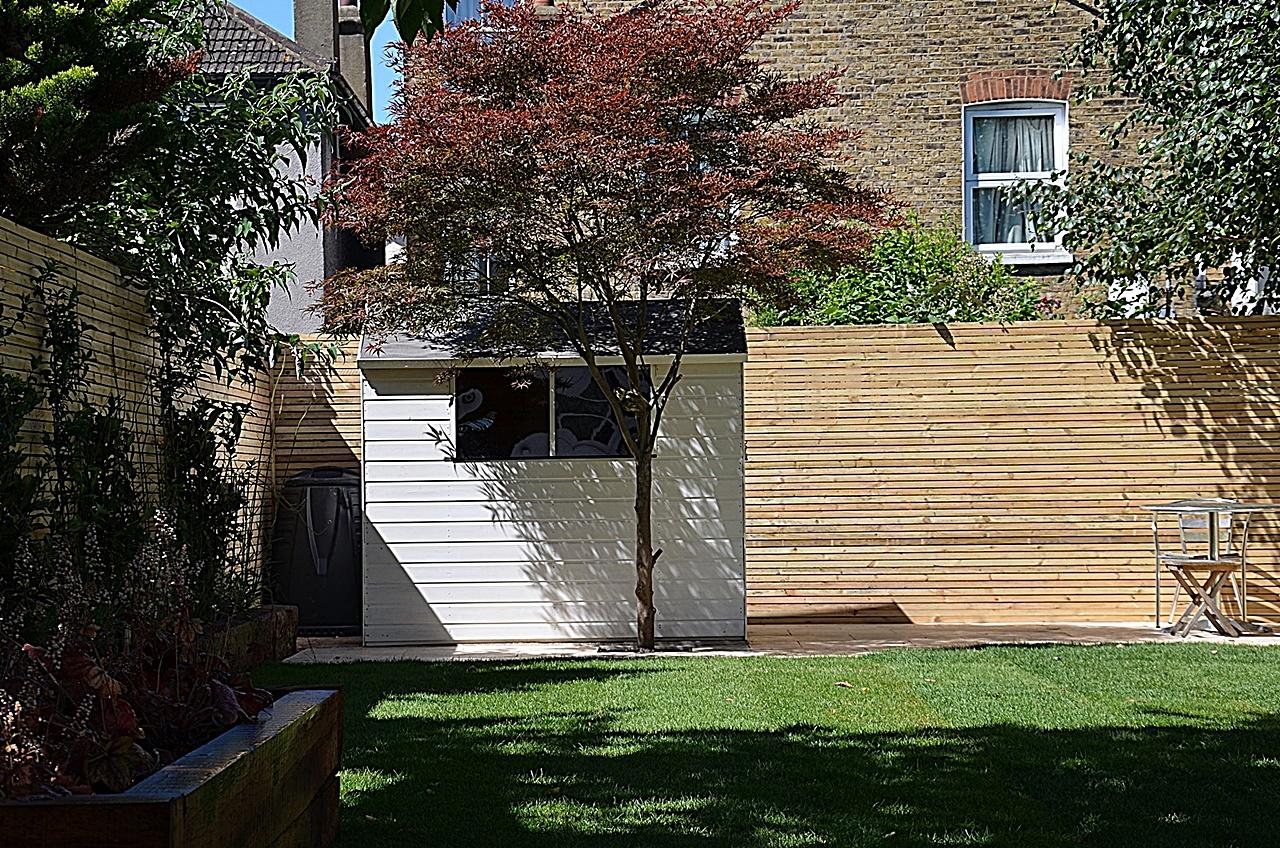Modern countyard garden design London