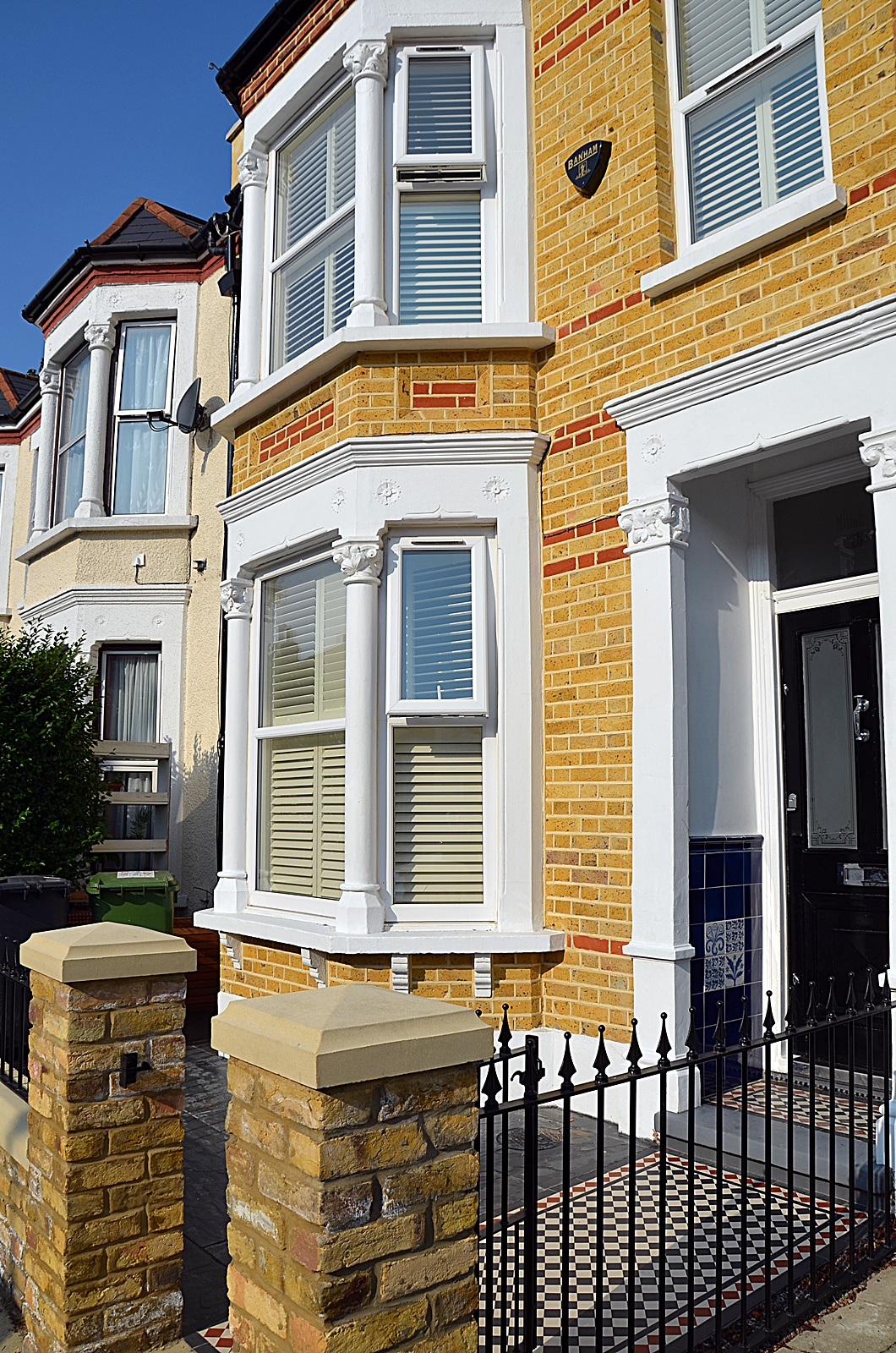 cap-coping-iron-gate-rails-low-mainenance-brick-wall-victorian-mosaic-london-clapham-balham-earsfield