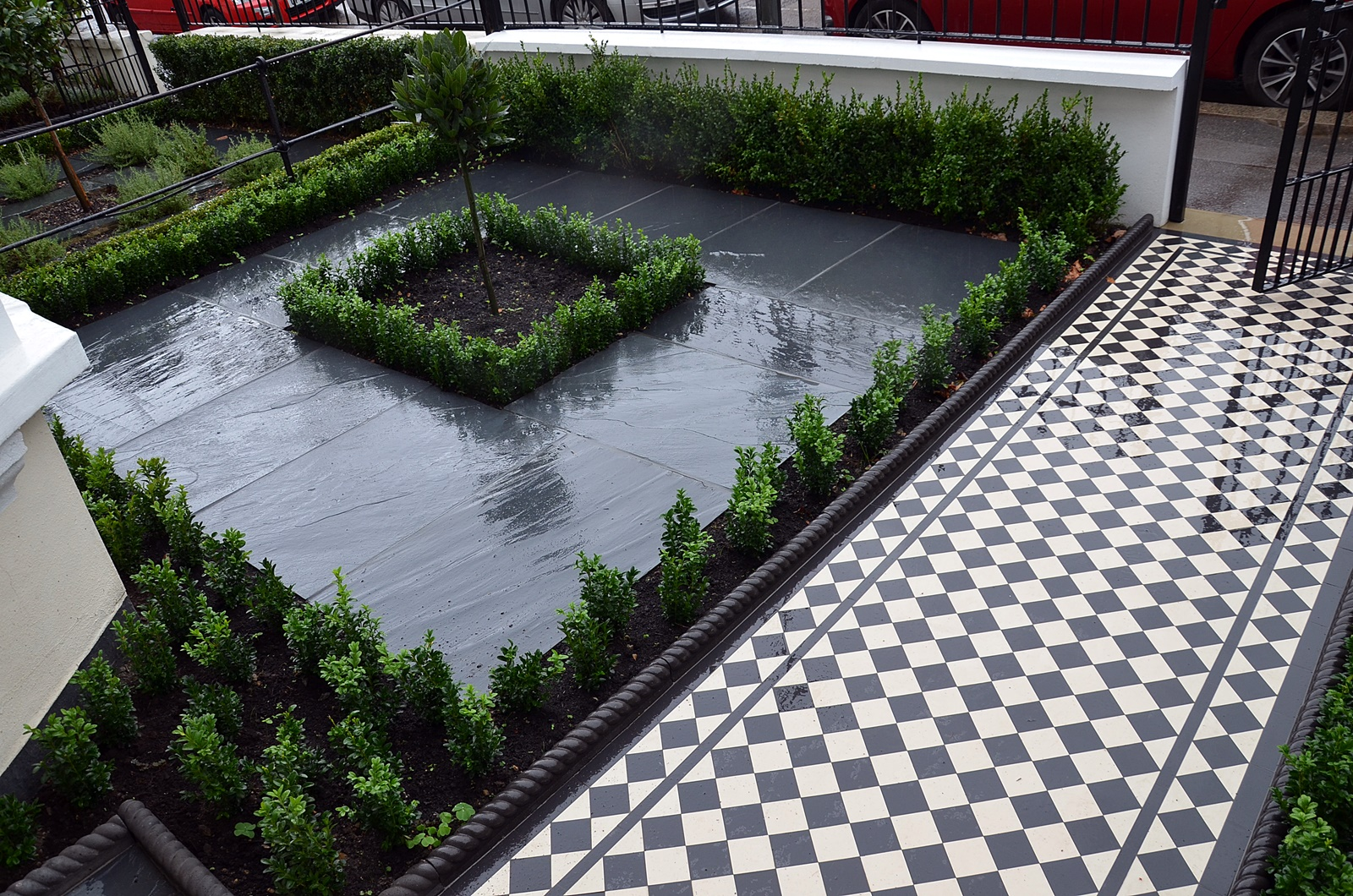 charcoal-rope-edge-victorian-classic-mosaic-black-and-white-path-slate-paving-london-clapham-balham-wandsworth