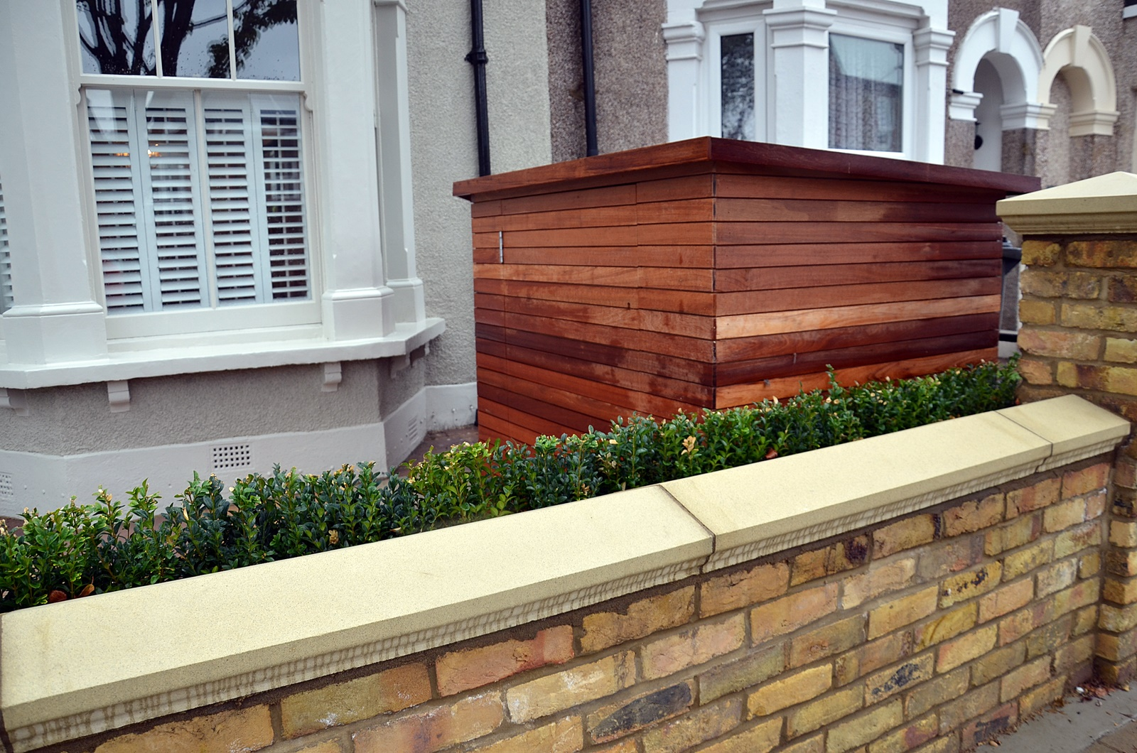 imperial-brick-wall-bespoke-storage-planting-yellow-stock-london-clapham-balham-earsfield