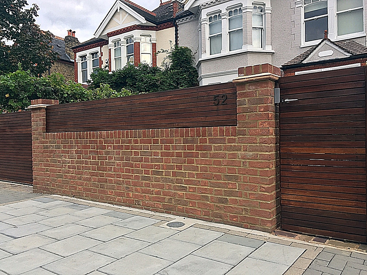 fencing-brick-red-garden-wall-hardwood-trellis-london-balham-clapham-wandsworth-earsfield