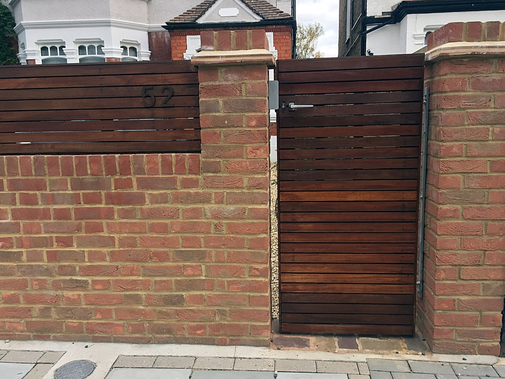 front-garden-wall-brick-red-fencing-low-maintenance-london-fulham-chelsea-mayfair