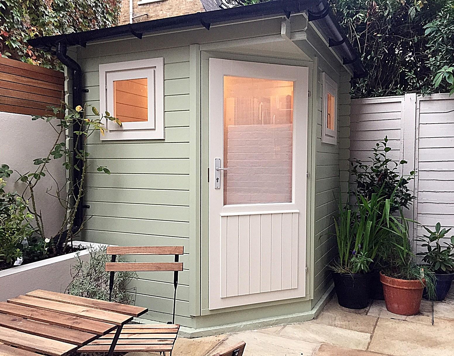 patio-paving-privacy-screen-raised-bed-planting-hardwood-trellis-fencing-london-fulham-kensington-mayfair
