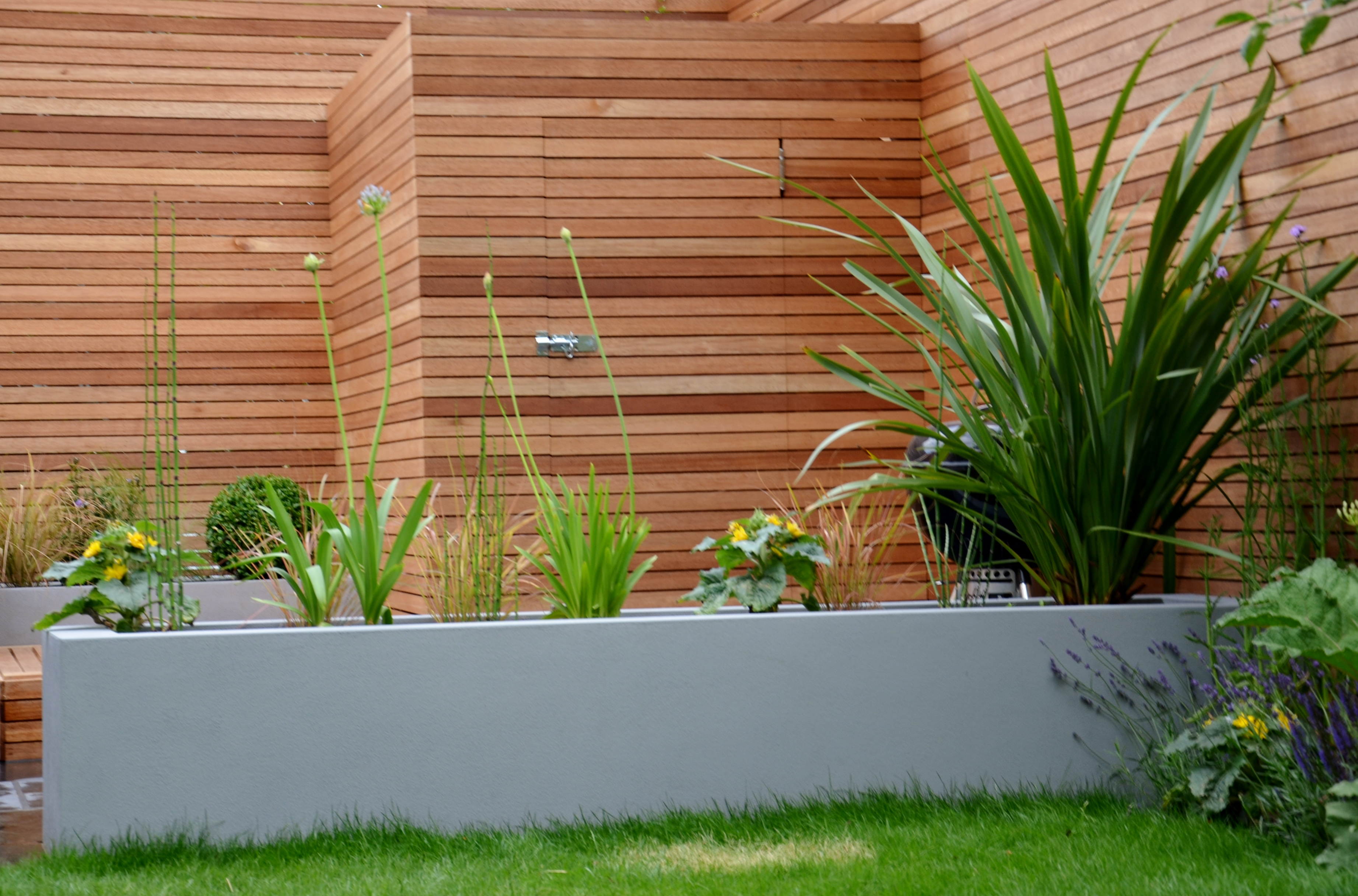 grey modern garden design slate paving screen raised beds bespoke ...