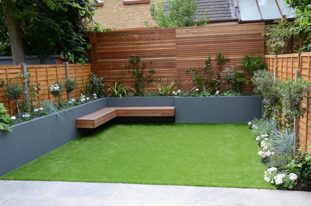 Small garden design fake grass low mainteance contempoary design sleek fun london designer for Small home garden design pictures