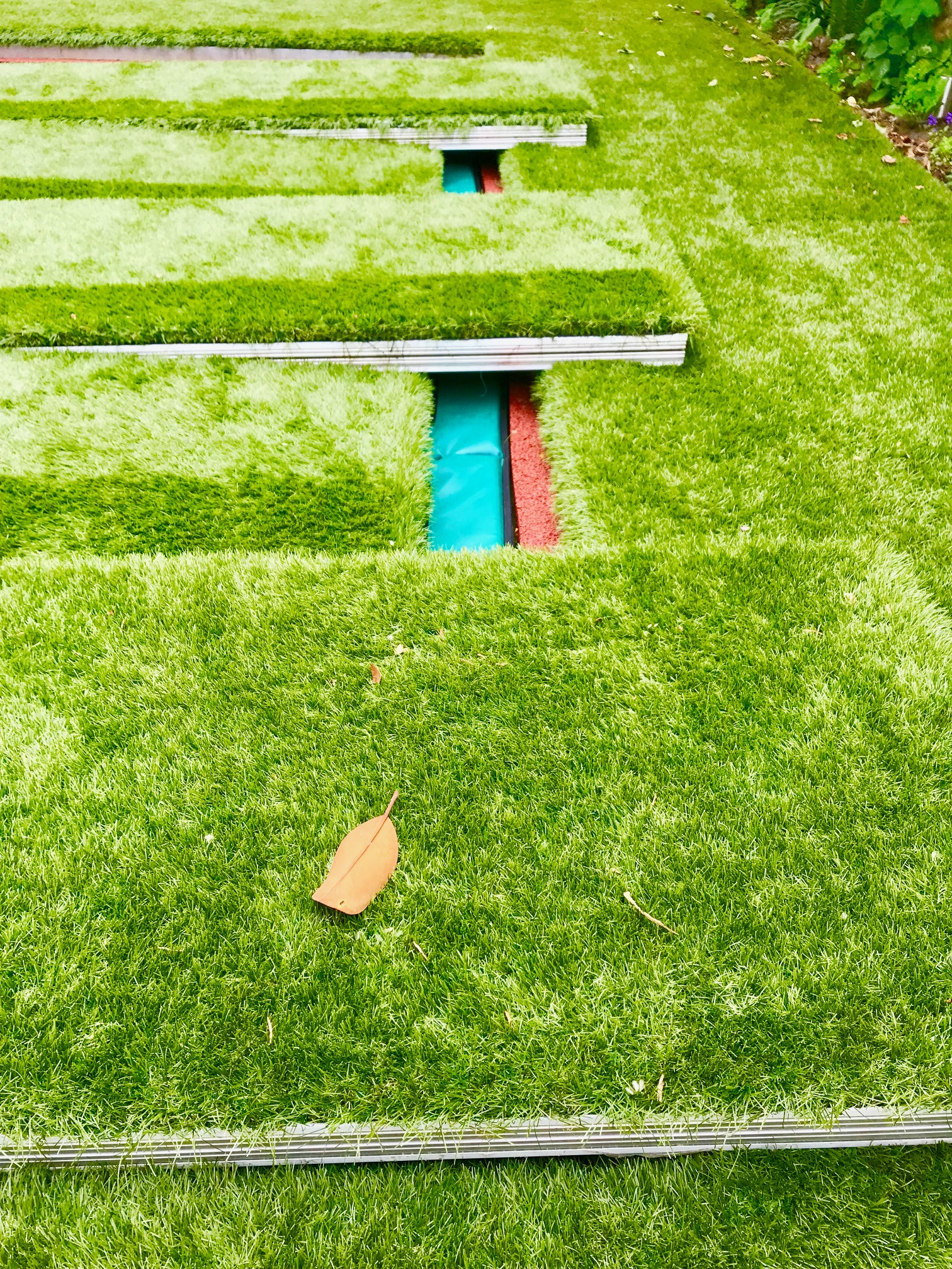 Astro Turf Garden >> Sunken trampoline with walk on aluminum lid cover artificial grass and covers garden London ...